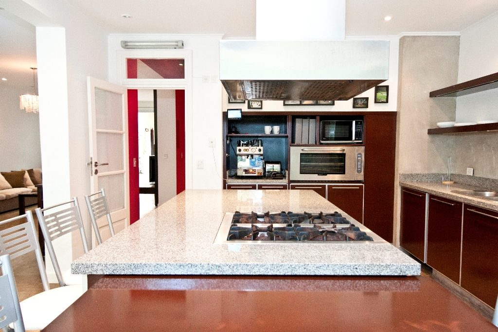 5 dormitorios trendy 5 dormitorios with 5 dormitorios for Alquiler de casas en los remedios sevilla