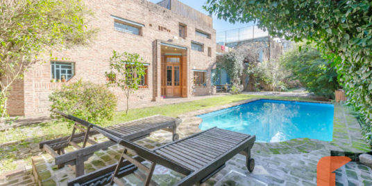 Stunning and unique property, large garden, pool and Guesthouse Palermo Hollywood