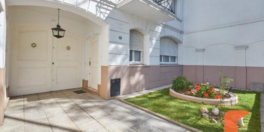 4 Bedroom House with garden Villa Urquiza
